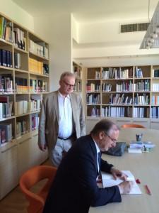 Dr. Haseloff und Dr. Schorlemmer in der  ELKI-Bibliothek